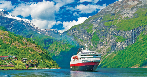 Reasons to travel with Hurtigruten, Hurtigruten, Bentours, Eco-conscious cruises, Bentours, Greenland, Cruising with a conscience, Exploring the frontiers of our planet,