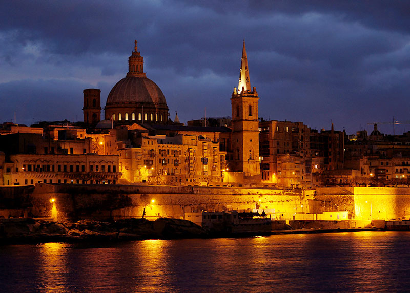 Malta-Valetta-Night