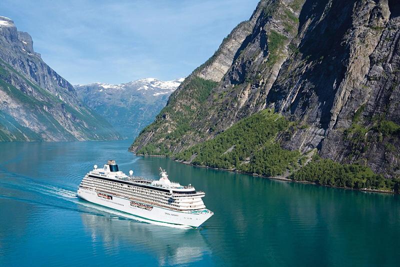 Vacationsmag_Crystal-Cruises