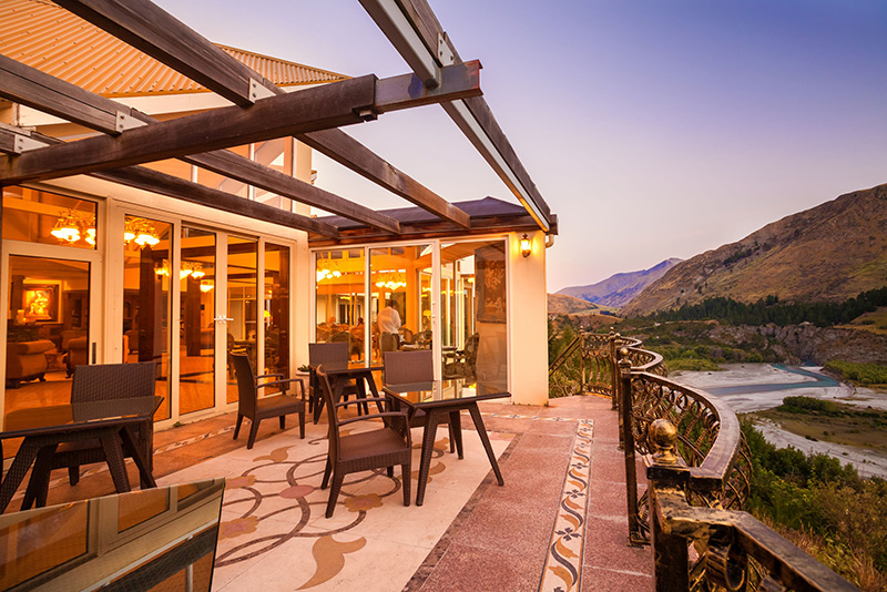 Vacationsmag_Nugget-Point-Queenstown,-an-Ascend-Hotel-Collection-Member---Exterior-Dusk