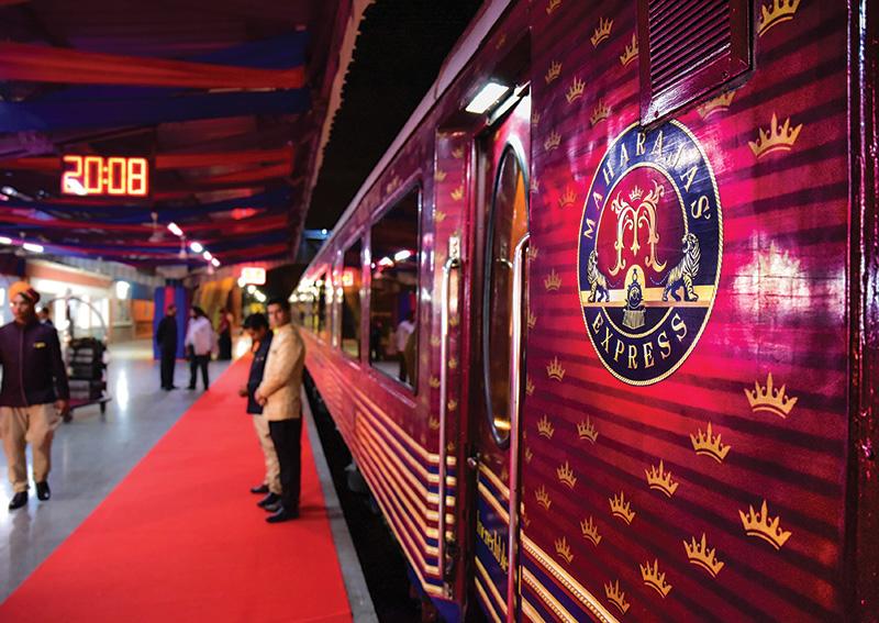 Vacationsmag_india-maharajahs-express