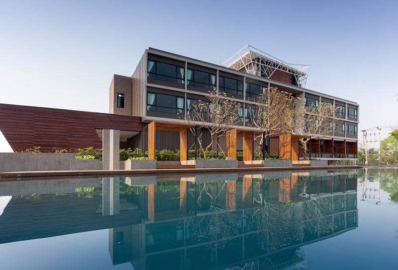 Vacationsmag_North-Hill-City-Resort
