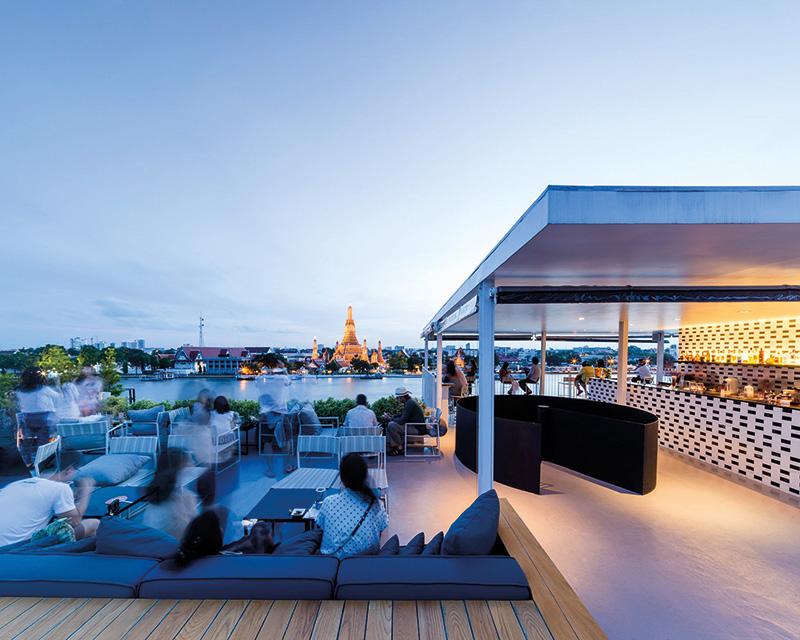 Vacationsmag_SALA-Rooftop-Bar-02