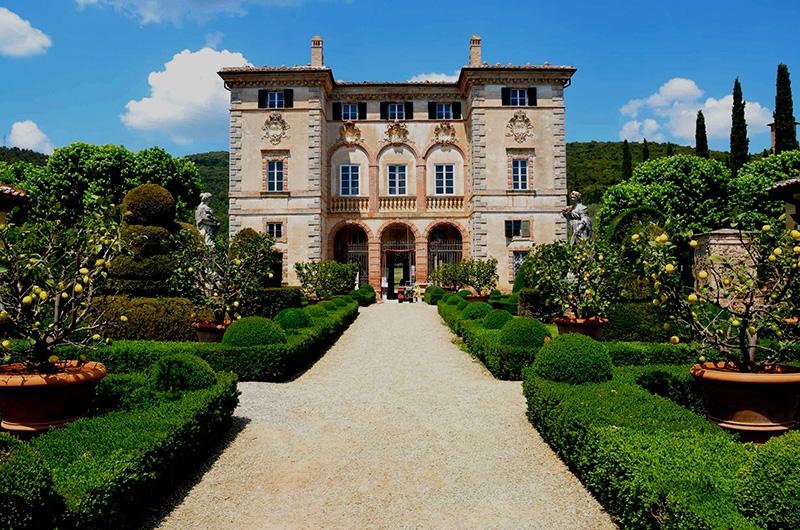 Vacationsmag_Hidden-Itay_villa-cetinale-gardens