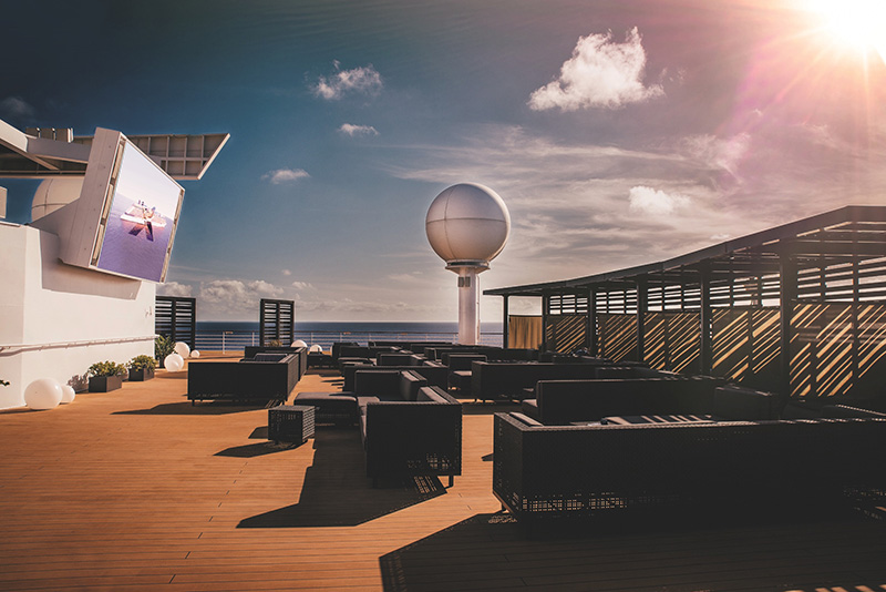 Vacationsmag_Rooftop-Movie-Screen-on-Celebrity-Constellation