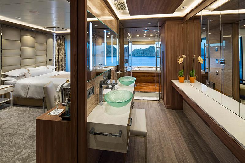 Vacationsmag_club_spa_suite_bathroom