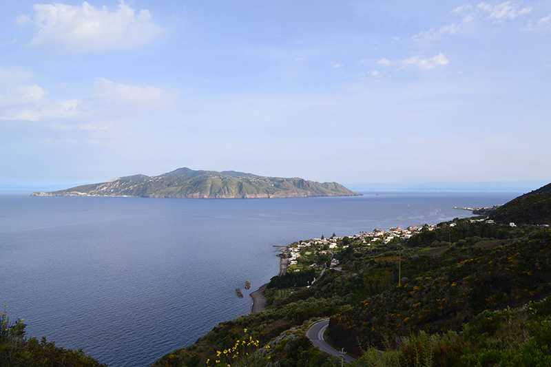 Vacationsmag_Aeolian-Islands-with-Peter-Sommer-Travels