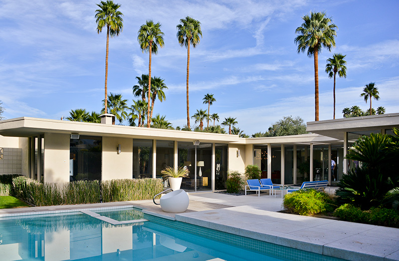 Vacationsmag_Palm-Springs-Arch-1