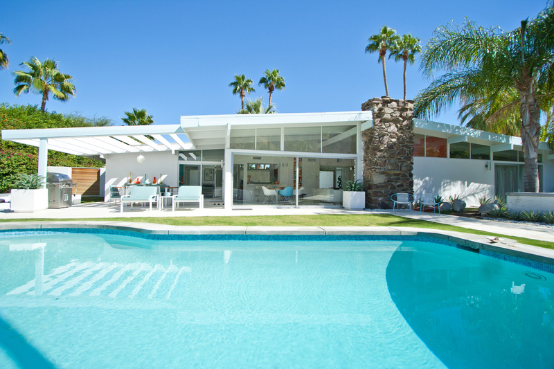 Vacationsmag_Palm-Springs-Arch-7