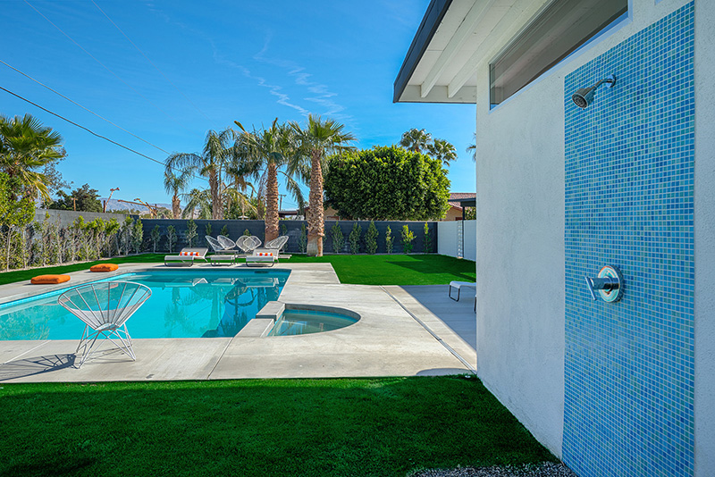 Vacationsmag_Palm-Springs-Arch-8