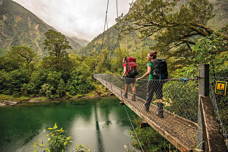 Vacationsmag_nz_Boatshed-swing-bridge