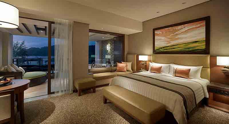 vacationsmag_shangrilarr_copy-of-ocean-wing-2-premier-room-v4