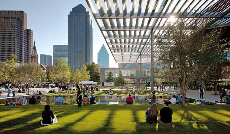 Vacationsmag_dallasFtW_Dallas'-WOH-and-Sammons-Park(credit-contained-in-image)