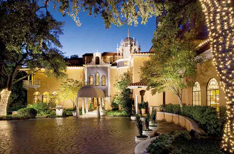 Vacationsmag_dallasFtW_Rosewood-Mansion-Night-Exterior_credit-Rosewood-Mansion-on-Turtle-Creek