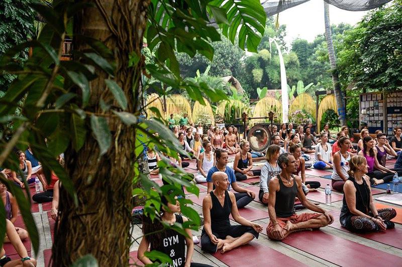 Vacationsmag_yoga-barn