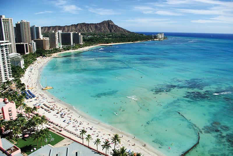 100_hawaii_waikiki_shutterstock_408595489