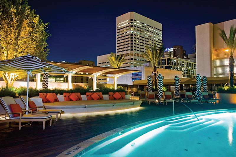 100_houston_four-seasons-hotel_pool