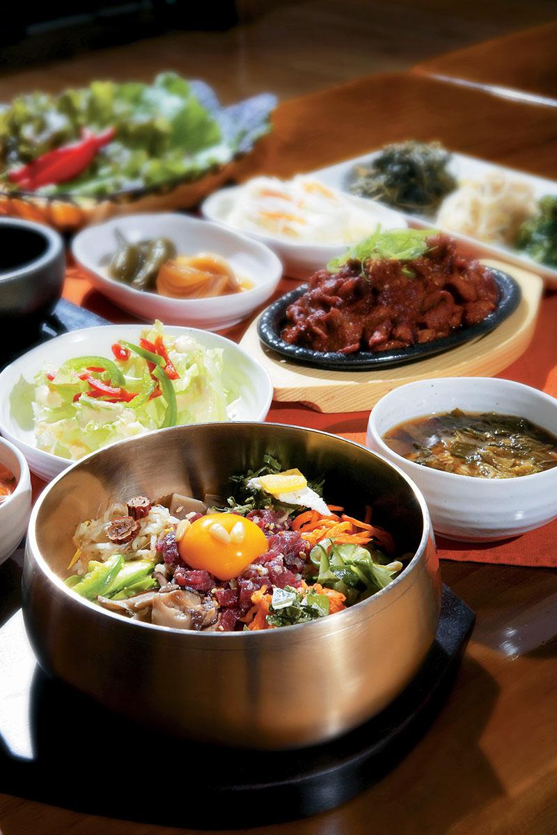 korea_tourism_organization_1191287_enjoy-korean-cuisine