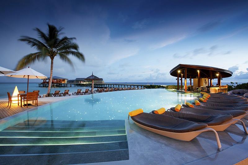 Image: Centara Ras Fushi Resort & Spa Maldives