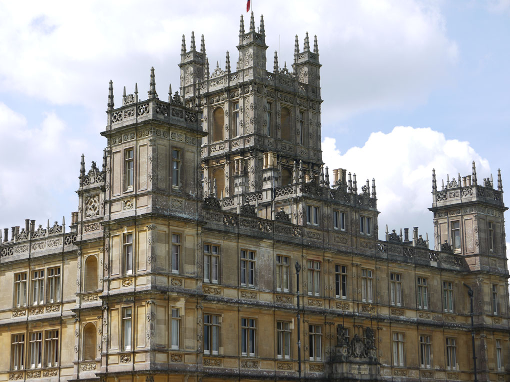 Highclere Castle, Downton Abbey, movie mansion