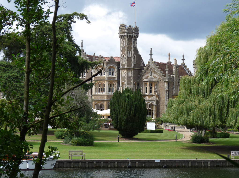 Oakley Court, Rocky Horror Picture Show, Windsor, movie mansion