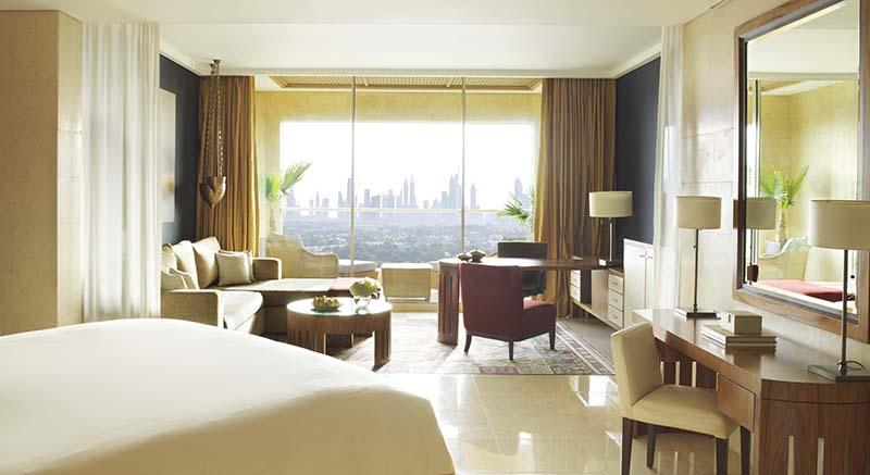Raffles Hotels & Resorts, Raffles Dubai, Signature Room