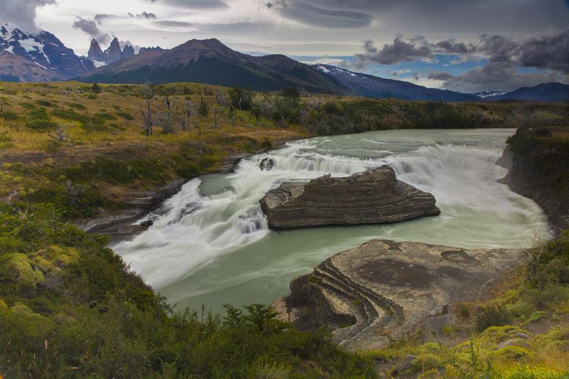 Cascada del Rio Paine, waterfall, Chile