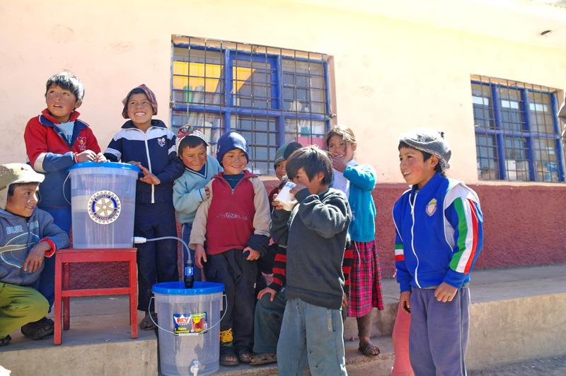 Agua Pura Project, Contours Travel
