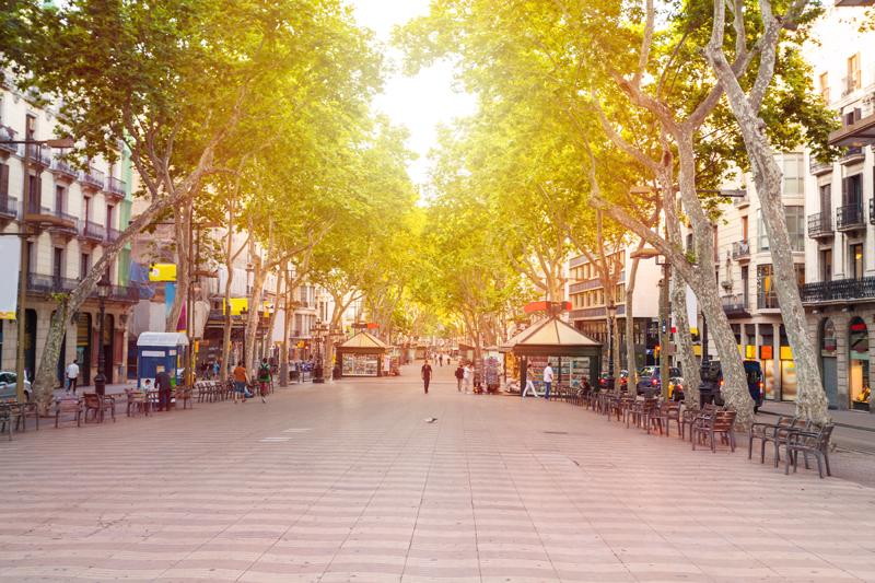 La Rambla street, Barcelona, cruise