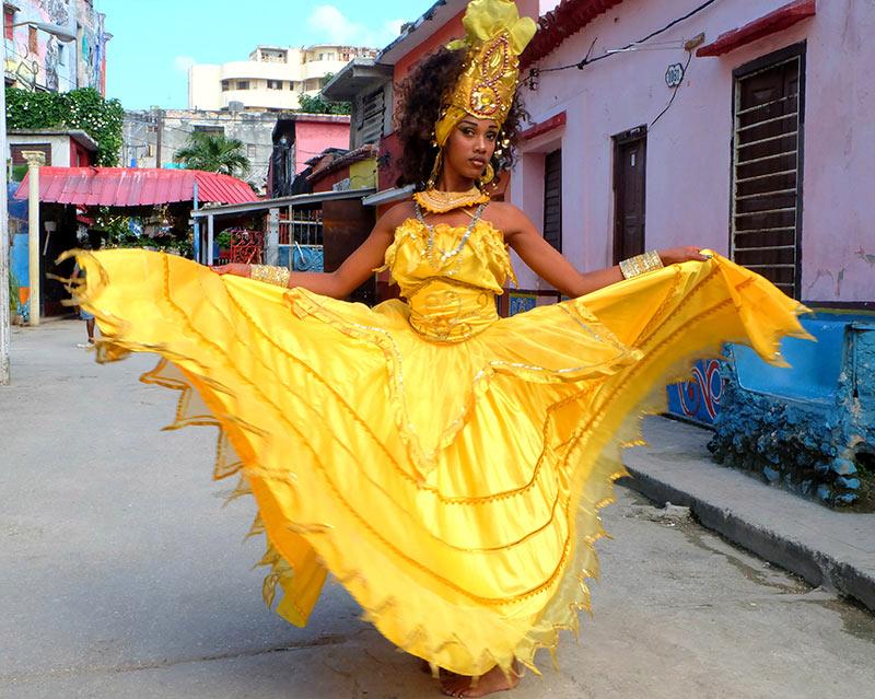 Peregrine Adventures', Trinidad, Cuba, travel Cuba, travel to cuba, cuba vacations, Havana, carnival, dancing, cars, Fidel Castro