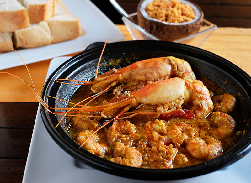 Prawn Curry, Ministry of Crab. Must eat in Sri Lanka, Dine Asia, worlds best seafood