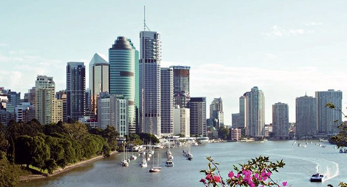 Brisbane_skyline_bluesky.jpg