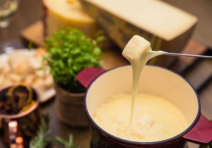 Enjoy traditional Swiss cheese fondue in Sydney
