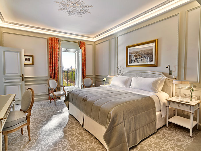 The ultra-luxury suite in Paris that costs 18,000 Euro a night