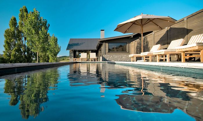 Riverside Lodge One pool Black Barn