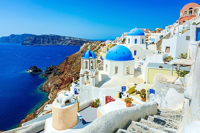 Qatar flights to Europe: Santorini