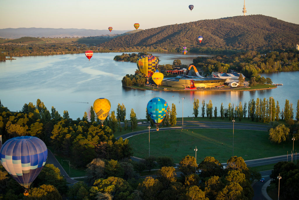 National Museum of Australia and Canberra Balloon Spectacular © VisitCanberra