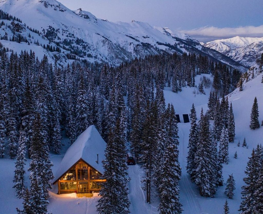 Off-grid vacations in Colorado: Red Mountain Alpine lodge