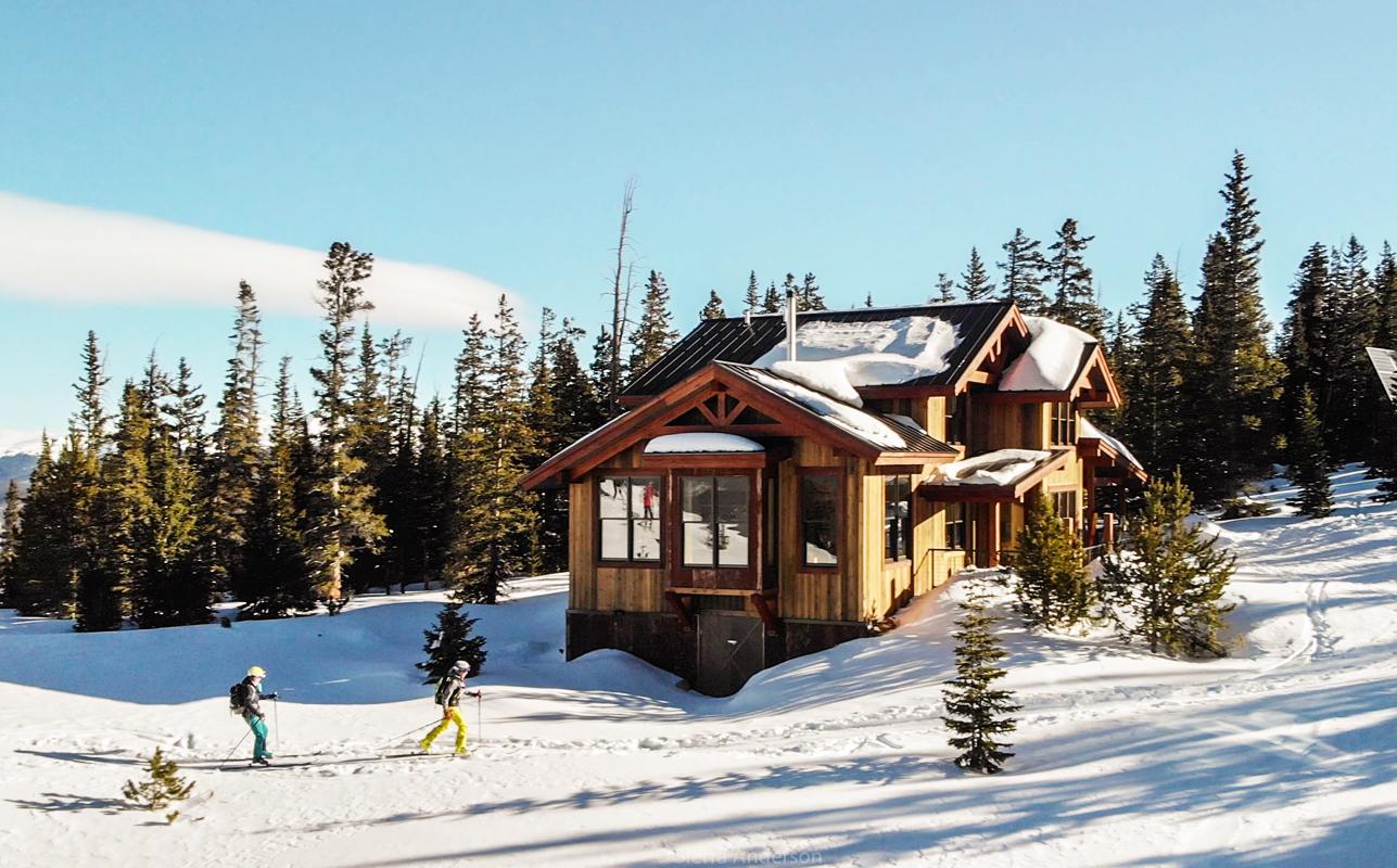 Off-grid vacations in Colorado: Summit hut