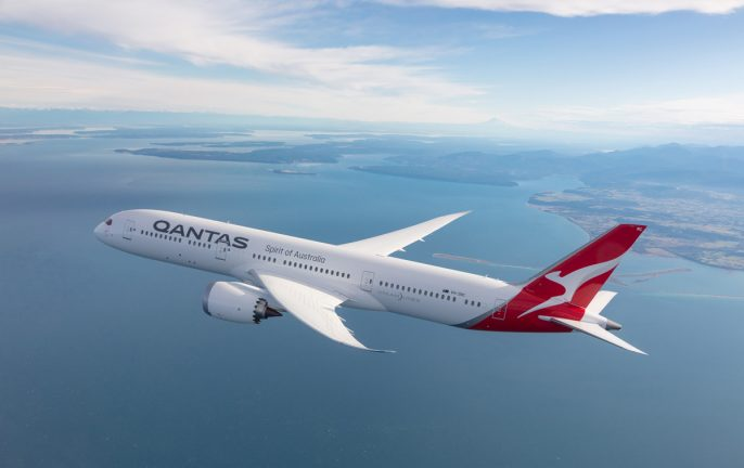 Qantas flyover for 100th anniversary