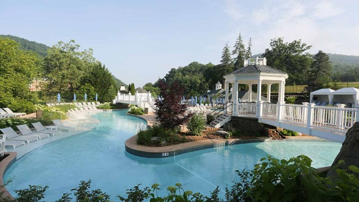 hotels with lazy rivers - omni homestead resort