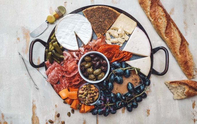 How to create the ultimate cheese board © Canva