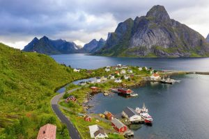 Attractions along the Norwegian coast: Svolvar, Norway © Ørjan Bertelsen