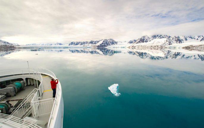Cruising around Svalbard