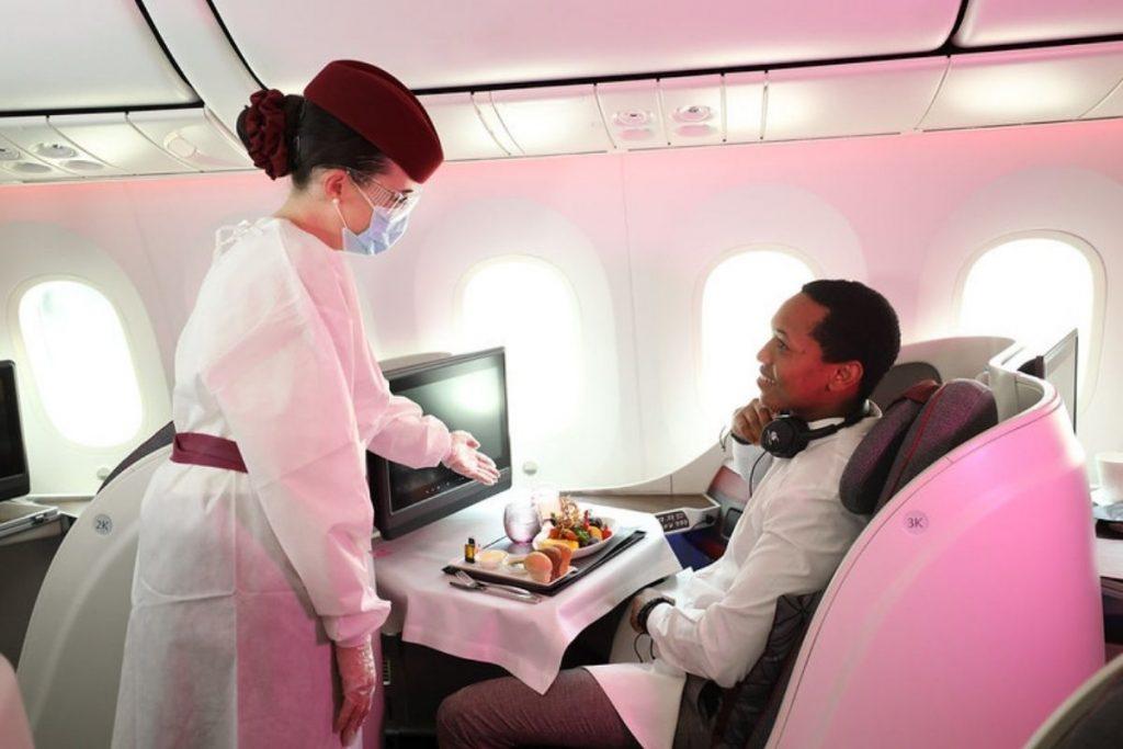 Qatar airways servicio a bordo la mejor aerolínea del mundo
