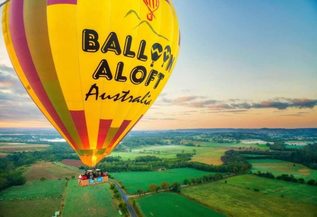 Sea Sydney from above via hot air balloon