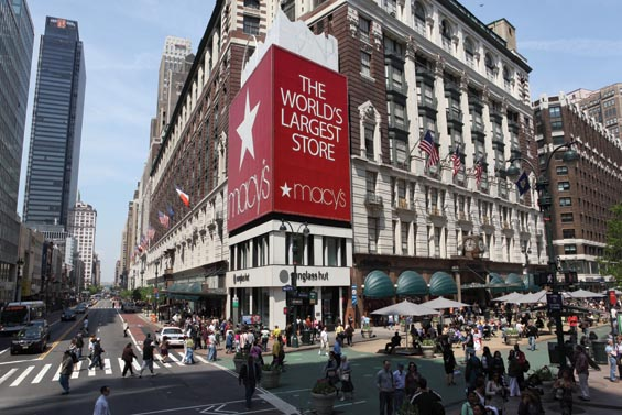 New York City, shopping in New York, where to shop in NYC, Fifth Avenue New York, Macys, Century 21, factory outlets in NYC
