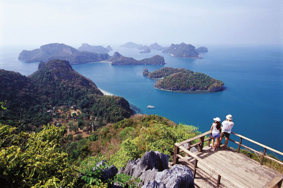 Dazzling views over the islands of the Gulf of Thailand